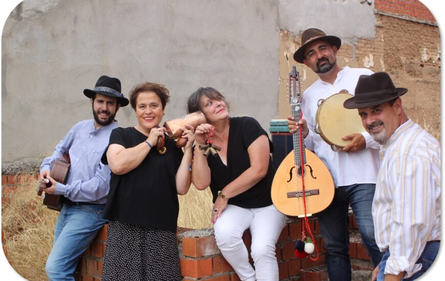 Virtual Traveling to Folk Music in Spain